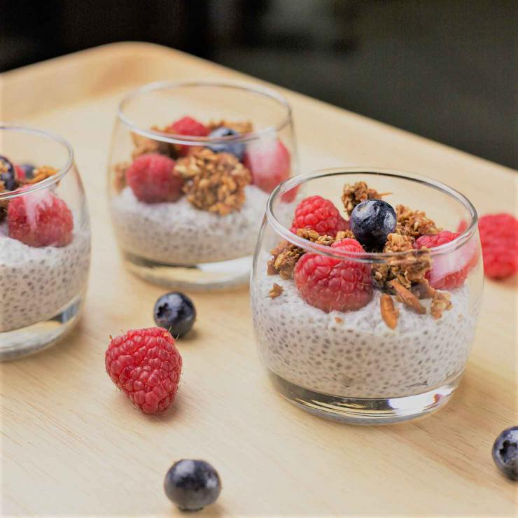 Pudding de Chia au granola et fruits rouges