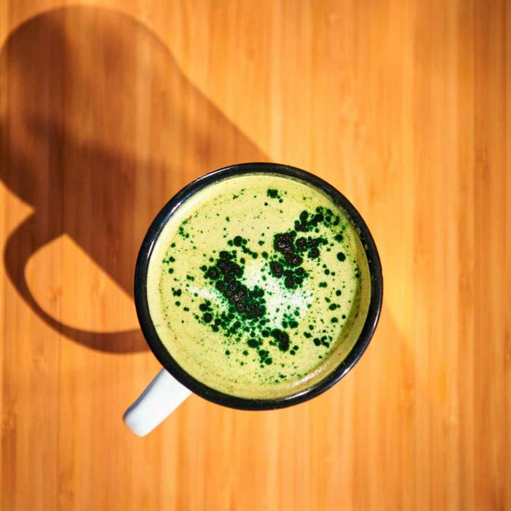 Le matcha latté, signature de Wild & The Moon