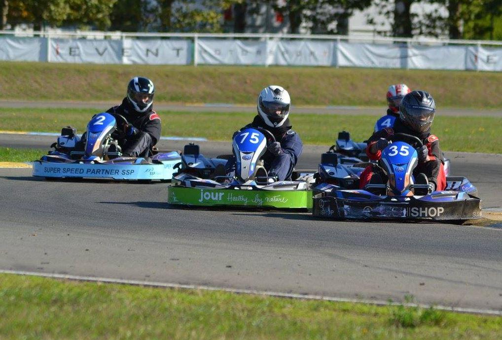 Paso traiteur remporte la 2e dition des 6h karting de la for Karting exterieur