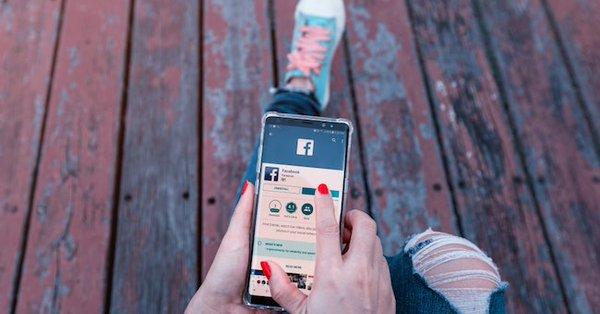 facebook contre les messageries privées