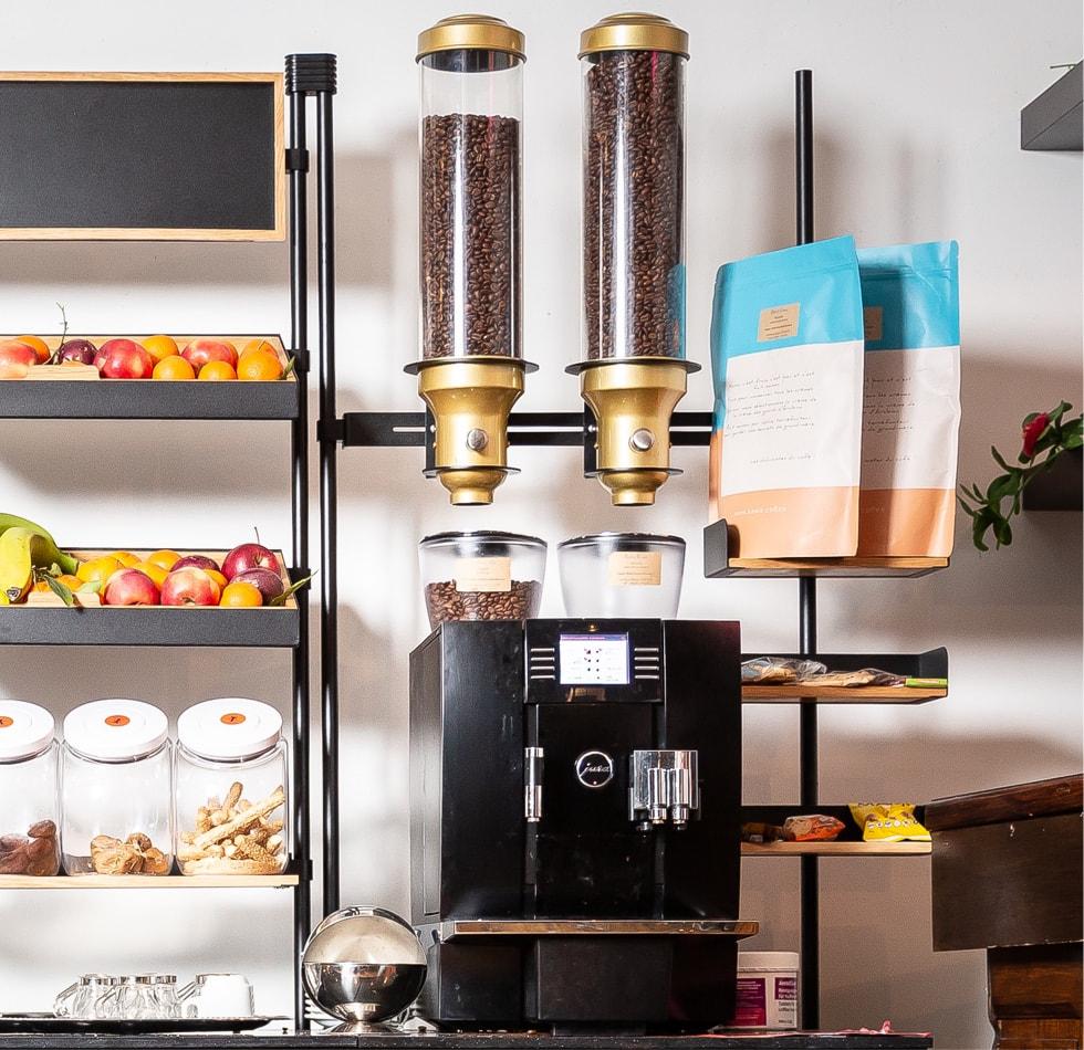 TOTEM offre B2B avec location de machine à café en entreprise et réapprovisionnement d'épicerie fine