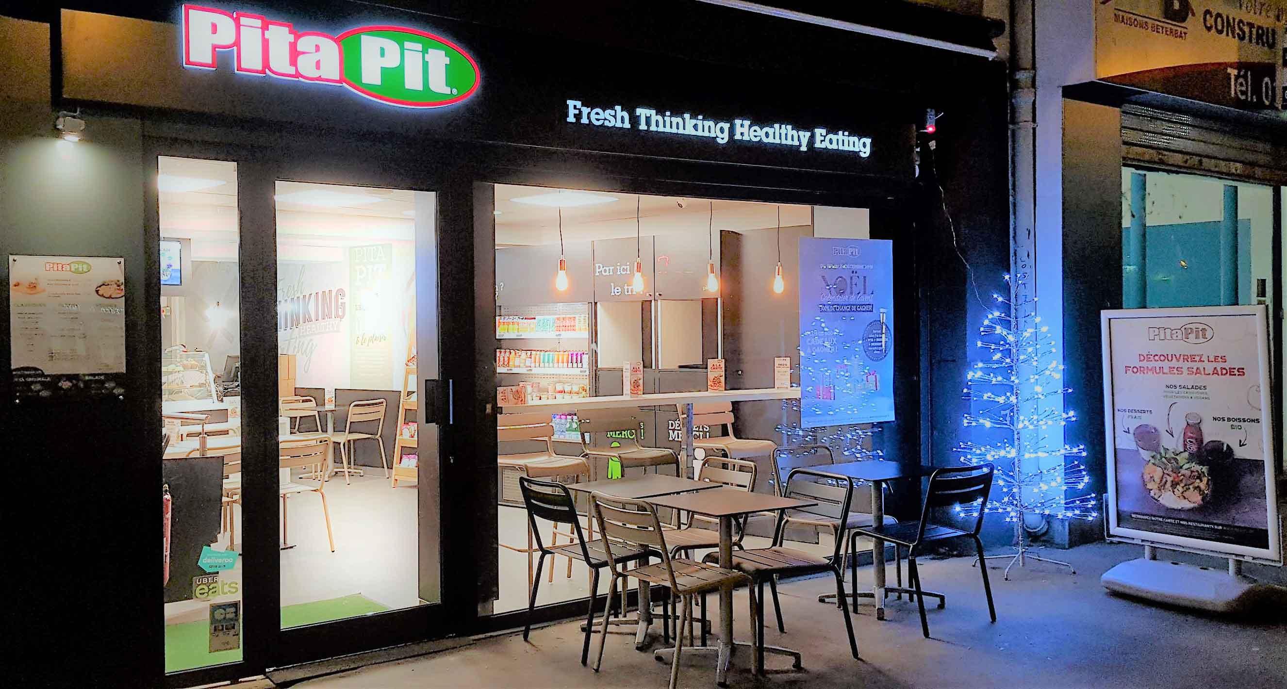 restaurant Pita Pit Paris à Noël - rue du faubourg saint Antoine