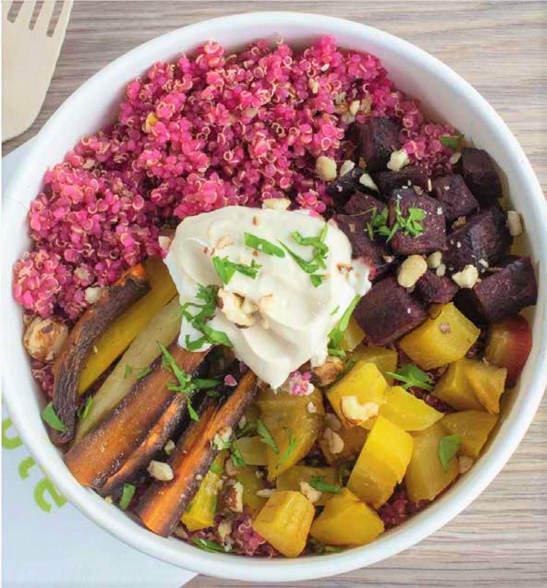 Salade de quinoa rose aux légumes croquants par Dubble Food