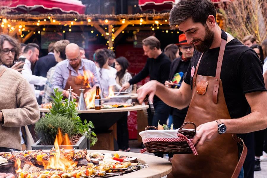 Mob Hotel barbecue en commun pour les clients