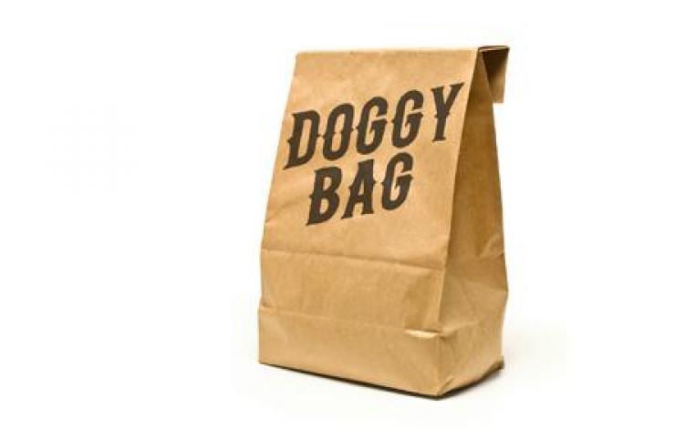Non, le doggy bag n'est pas devenu obligatoire