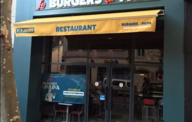 Le lyonnais Les Burgers de Papa accélère sous un nouveau look