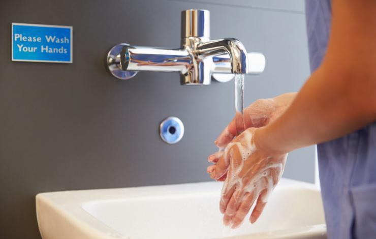 Hygiène : les Français s'en lavent les mains...