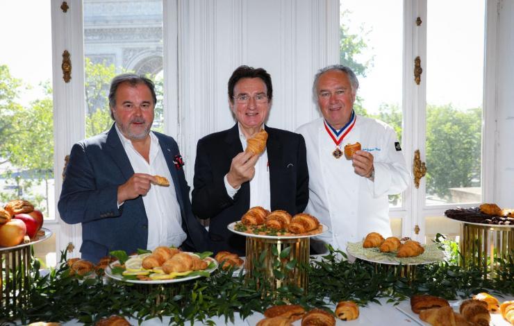 BRIDOR et le Chef Pâtissier Pierre Hermé s'associent pour créer Les Viennoiseries d'Exception - groupe Le Duff