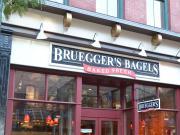 Le groupe Le Duff vend Bruegger's à JAB Holding Co et mise sur Brioche Dorée et Del Arte