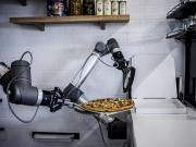 Pazzi Philippe Goldman robot pizza ouverture val d'europe centre commercial