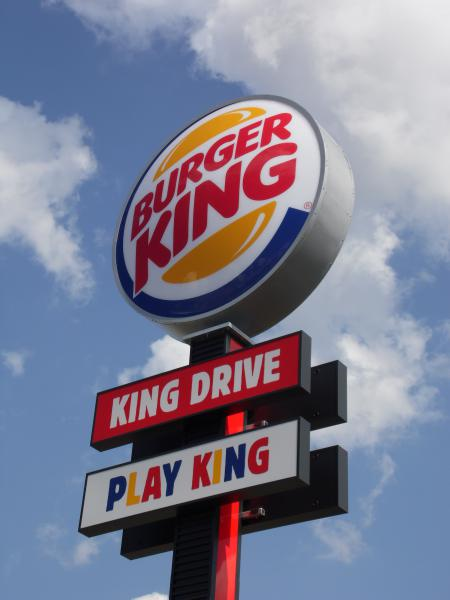 Burger King passe aussi aux hot dogs