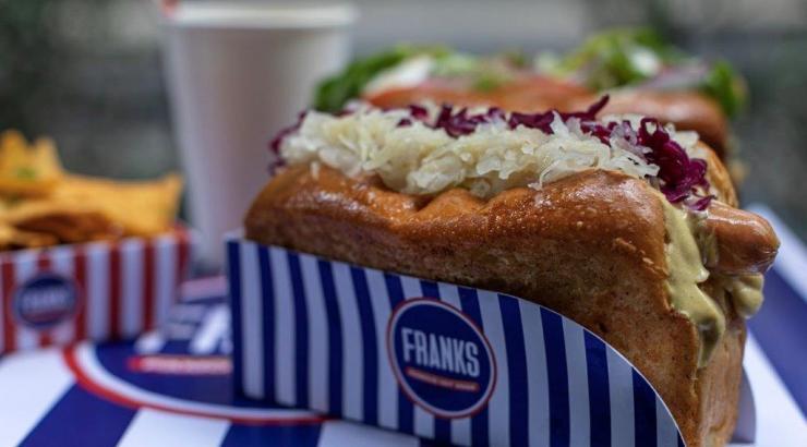 Francks Jonathan Sellam et Benjamin Attal concept hot dog à Vélizt 2