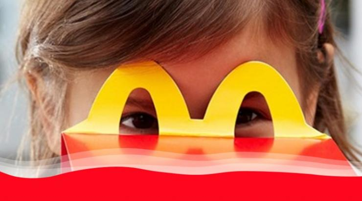 Être « kid friendly » en restauration : comment y parvenir grâce au digital ? McDonald's happy meal snacking