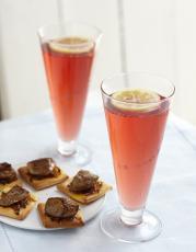 Floc de Gascogne et ses mini-pizza au foie gras fermier des Landes
