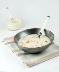 Crème de Haricots Tarbais à l'huile de noisette & mousse de parmesan