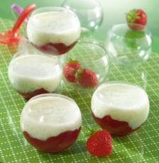 Crème douceur vanille au tapioca sur lit de fraises