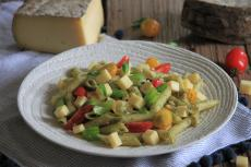 Salade de pates aux tomates et à la tomme de Savoie IGP