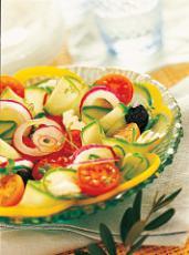 Salade grecque au concombre et à la tomate
