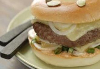 Hamburger au Cantal