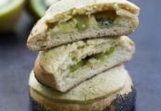 Brioche garnie au kiwi de l'Adour Pamplemousse confit et vanille