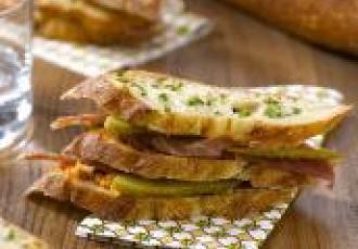 Mille-feuille jambon-beurre