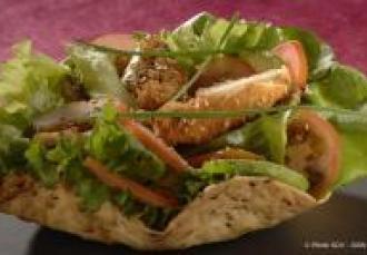Taco salad' aux aiguillettes de poulet et graines de lin