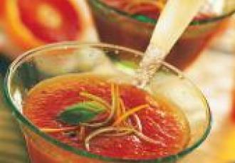 Soupe Créole à la tomate de France et aux agrumes