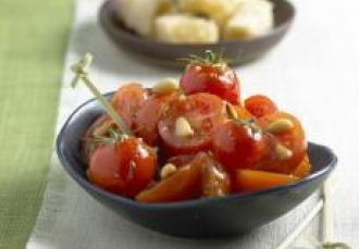 Salade de tomates et pignons de pin au pistou